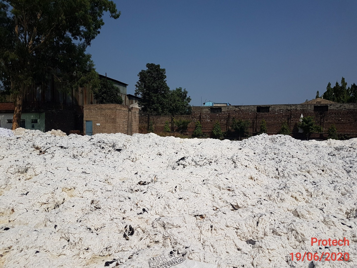 Lot :2 Fire effected Cotton / Cotton Mixing - 65 MT